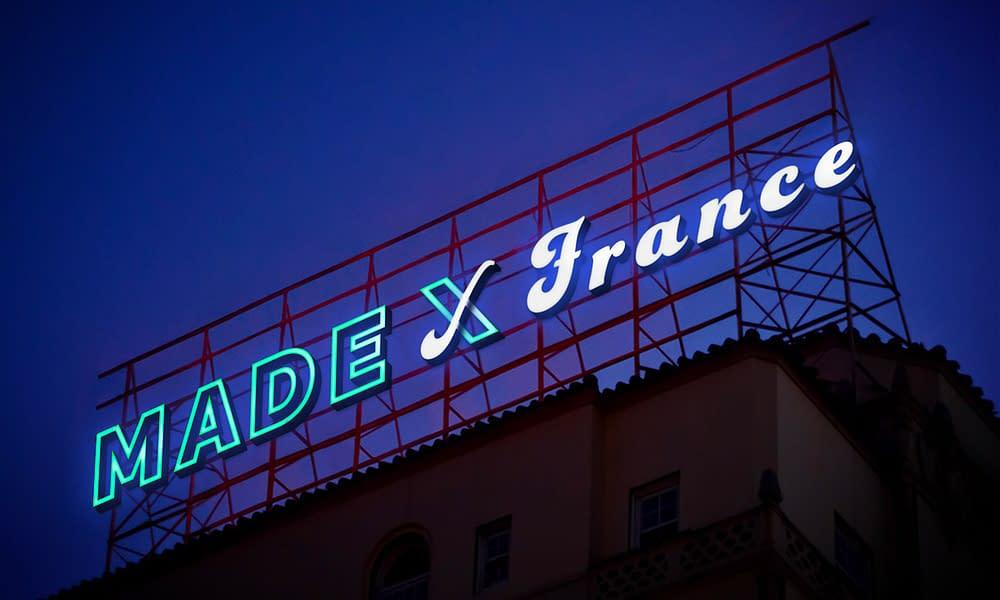 Free-Electronic-Neon-Sign-Billboard-Mockup-PSD